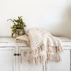 Large off white knit throw